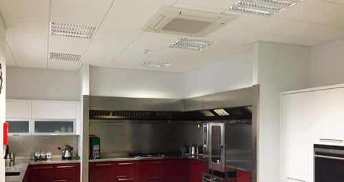 Kitchen fitted with air conditioning